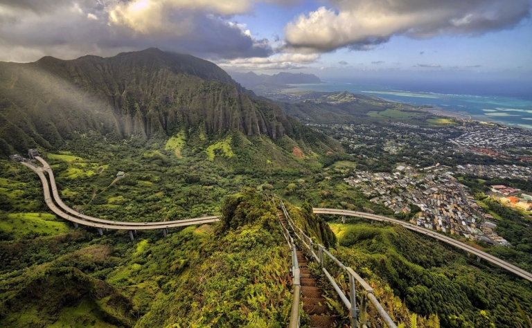 Hawaii's Stairway To Heaven May Be Gone Forever Image