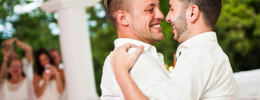 Top 6 Gay Wedding Destinations in the U.S Main Image